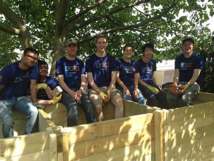 Building composting bays