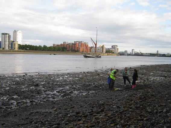 farm foreshore at low tide on the thames